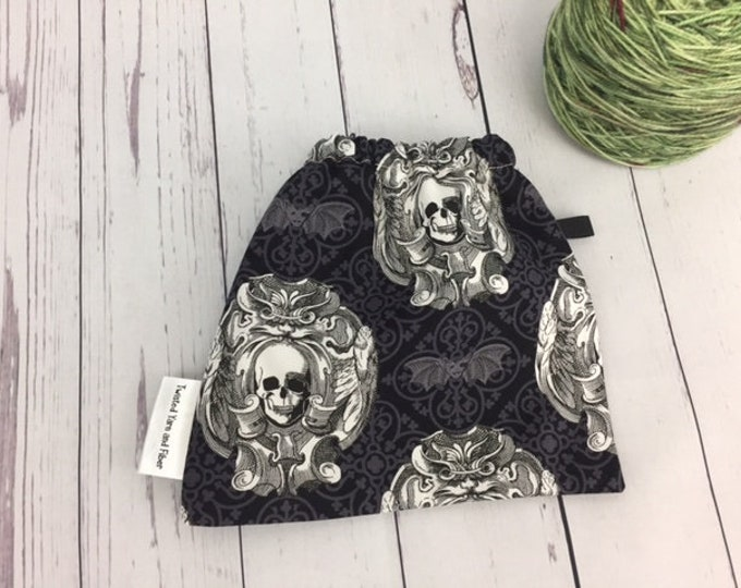 Skull / Skeleton, Yarn Ball bag, Yarn Bowl, Yarn Holder, Yarn Cozy