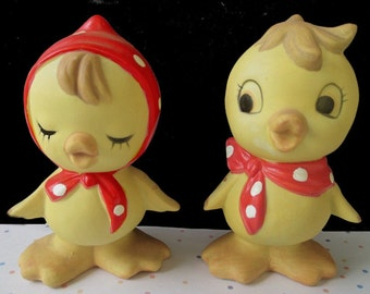 Duck SALT And PEPPER SHAKERS * Yellow Baby Ducks * Bisque Ceramic * Vintage Tableware