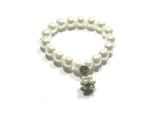 White Pearl Bracelet , Adjustable Stretch  Bracelet ,  Faux Pearl Bracelet