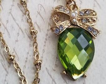 Green Teardrop Necklace, Vintage Necklace, Green Necklace