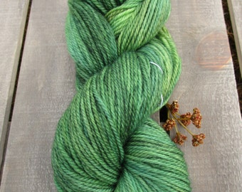 Pure Wool Worsted 3.5 oz, Hand dyed yarn, Pure New Wool, 210 yds/ 100g: Clover.
