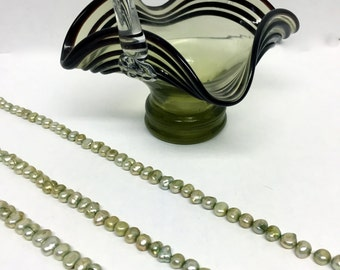 Thyme Colored Cultured Pearl Beads, Fresh Water Cultured Pearl Beads, Thyme Colored Beads, Green Beads, Flat Potato Beads, 8mm Pearl Beads