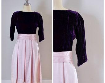 SALE / On SALE / Final Sale / 60 s Dress / Vintage Dress / Vintage 60s Dress / Velvet Dress / Satin Dress / Party Dress / Purple / Pink / XS