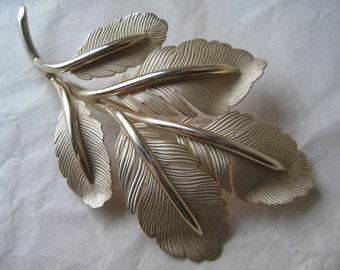 Leaf Gold Brooch Vintage Pin
