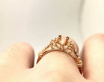 18K Gold Venetian Solitaire Diamond Gemstone ring micro pave setting Rose Gold Yellow Gold bead detail
