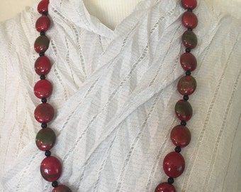Red and Green Gradient Beaded Necklace!!
