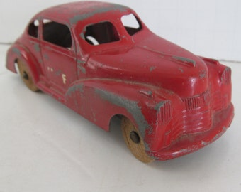 Art Deco Toy Car Coupe Chippy Red Pain Wooden Wheel Cars Antique Toy Car Old Metal car with Wood Wheels metal Toy Cars Antique Cars