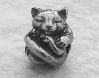 Green Girl Studios Cuddly Cat Pewter Bead