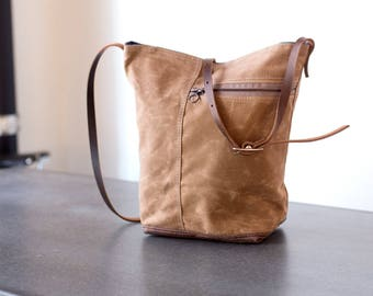 Tote no. 2 in Tan waxed canvas