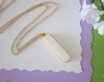 White Druzy Necklace, Crystal Necklace, Thin Druzy Pendant, Rainbow Druzy, Gold, Pendant, Natural, Natural Stone, DRZY20
