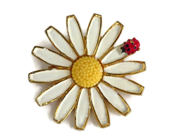 Vintage Daisy Brooch, White Flower Pin, Ladybug Pin, White Yellow Daisy Pin, Gold Flower Brooch, Signed Weiss Jewelry, Gift idea