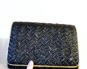 Vintage Woven Raffia Clutch / Black and Gold Woven Crossbody Purse / Gold Shimmer Glam 70's Purse