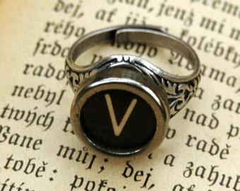 """Vintage Typewriter Key Ring """"V"""""""