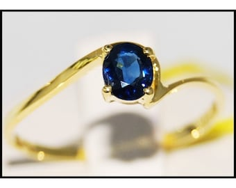 Solitaire Blue Sapphire 18K Yellow Gold Natural Gemstone Ring [RR056]