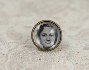 Photo Tie Tac, Boutonniere Pin, Brooch Pin, Custom Photo, Wedding Pin, Gift for the Groom
