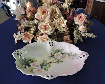 """B.R.C. Bauer, Rosenthal & Co. Germany Moliere Pierced 9"""" serving dish c1897-1903"""