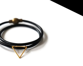 Gold double mini bracelet.