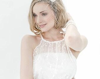Kurzschleier Schleier Bird Cage Braut Brautschmuck schlicht minimalistisch Haarschmuck Kopfschmuck Hochzeit Perlen Vintage fünfziger 50-er