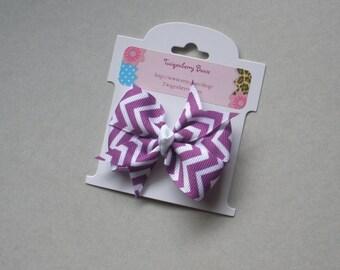 "Medium 2 1/2"" Pinwheel Bow -  Purple and White Chevrons"