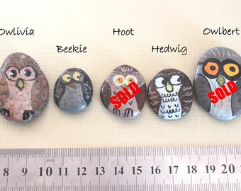 Painted Rock, owl painted Pebble, hand painted stone, Garden Art, Paperweight, Unique gift, owl totem, hand painted owl, owl stone