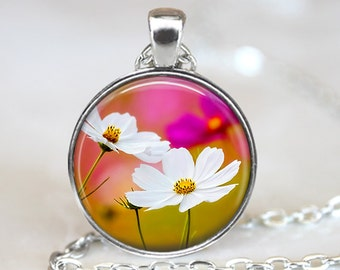 White Daisy Pendant, White Daisy Art Pendant, White Daisy Necklace, Daisy Jewelry, Flower Pendant, Bronze, Silver, White Daisy Art, 134