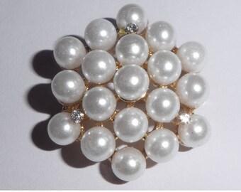 Faux pearl cluster brooch