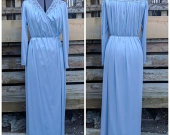 Vintage 1980's Maidenform Dreamewear Robe Full Length Periwinkle Blue Peignoir Nylon and Lace Dressing Gown / Robe