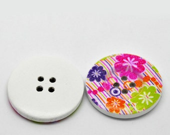 10 Painted Wooden Flower Buttons