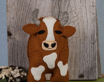 Felt Cow Sewing PATTERN, Bessie the Cow, Felt Softie Sewing Pattern, Farm Animal Pattern, Stuffed Animal Pattern, DIY Handmade Gift, Mmoooo!