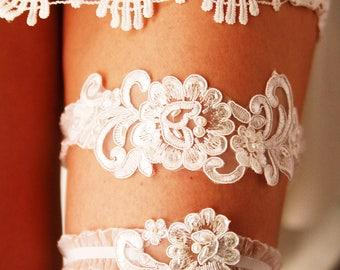Wedding Garter Bridal Garter Ivory Lace Garter Set - Rustic Wedding Boho Wedding Keepsake Garter Toss Garter - Bohemian Garters Belts