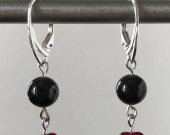 Red glass hearts earrings