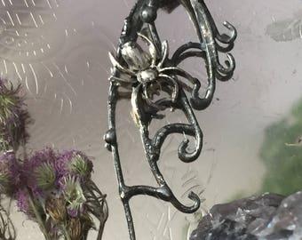 Widow's web Necklace
