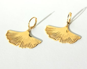 Ginkgo earrings, gold plated.