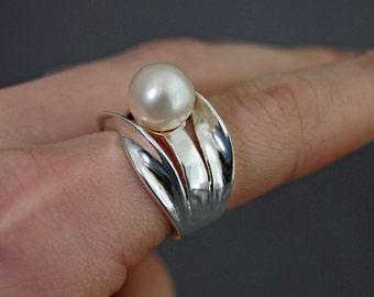 Abbigail - Pearl Wedding Ring, Pearl Statement ring, Pearl Sterling Silver Ring, White Pearl Ring, Pearl Engagement Ring, Pearl Ring Silver
