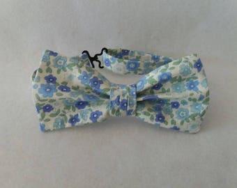Bow tie / / man / / flowers