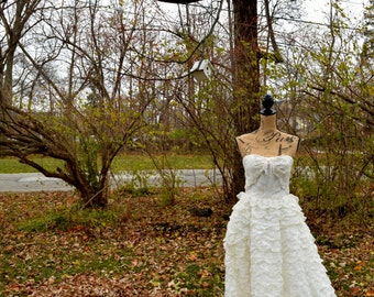 VINTAGE WEDDING GOWN--Strapless Lace Cupcake Ruffle, c. 1950's
