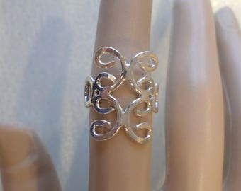 Sterling Silver Filigree Open Work Artistic Ring, Size 6.