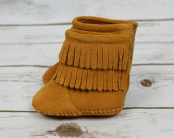 Baby, Toddler Moccasin suede leather boots.