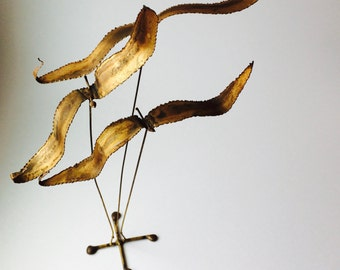 Vintage MCM Metal Wire Flying Birds Sculpture/Vintage Home Decor/Bird Sculpture/Rustic Home Decor/MCM Art/Tabletop Sculpture