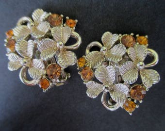 Clover Earrings * Silver Tone With Amber Rhinestones * Vintage Clip On Earrings * Signed RT * Gift Item
