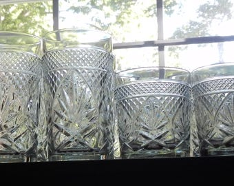 Fabulous 12 Piece Vintage Barware Set!