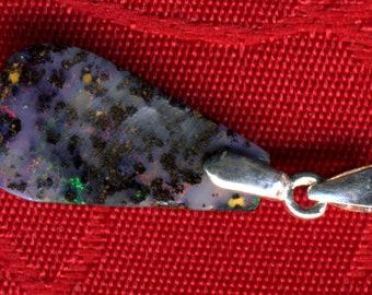 Opal Boulder from Australia (Queensland) of 2.90 Carat pendant