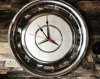Mercedes hubcap Clock (white 001)