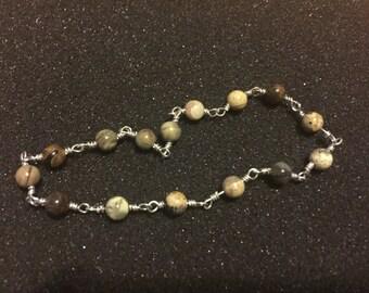 Silver Leaf Agate & Silver-Colored Wire Bracelet