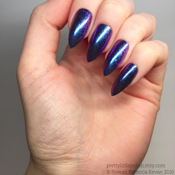 Blue duo chrome nails, Luxury nails, Chrome stiletto nails, Fake ...