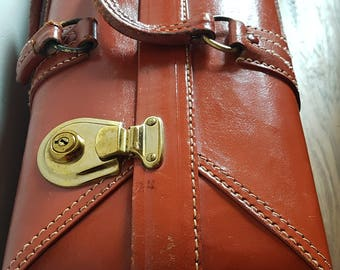 Stunning Vintage tan Leather Suitcase with Cover N02