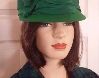 Italian vintage 1960s cloche hat