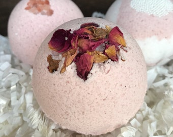 Lot of 6 Natural Bath Bombs Scented with Essential Oils
