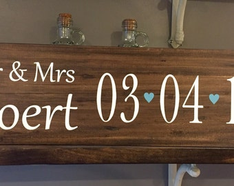 Bridal Shower Gift / Wedding Date Sign / Wedding Gift / Personalized last name Sign / Bridal Gift / Anniversary Gift / Mr. & Mrs. Sign