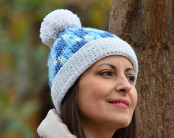 Pom pom hat winter, Crochet beanie women, chunky warm hat, cream and blue hat women, ski hat women, crochet hat pompom, christmas gift women